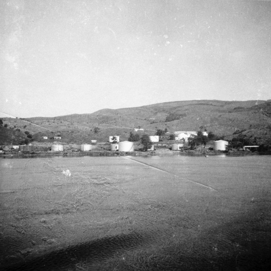 Ango-Ango, 1937 - le port petrolier en aval de Matadi
