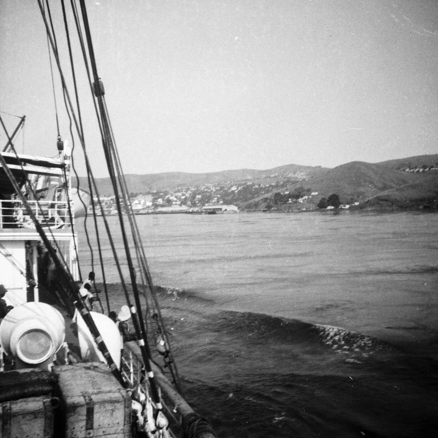 Matadi, 1937 - la ville de Matadi à tribord