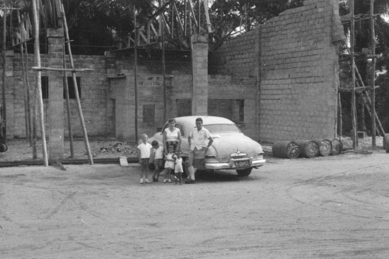 Lomela, 1959 - Nouveau garage FOMETRA en construction