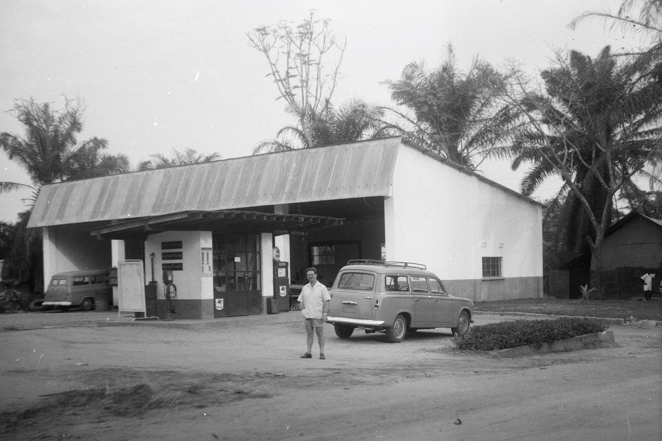 Lomela, 1961 -Station-essence FOMETRA